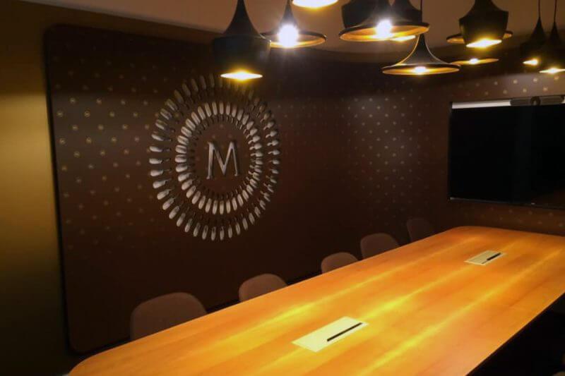 polep interiérových stěn, indoor dekorace fólií