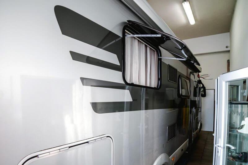 vysoce kvalitní lité fólie, polep karavanu
